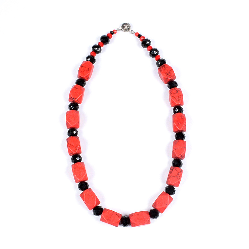 locally-made-beads-jewellery-jewelry-necklace-earring-bracelets-red-black-accra-ghana-deluxe-closet-gh-deluxeclosetgh-2018-001-03